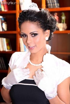 Isabella Chrystin