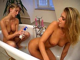 Lesbian games in the bath tub