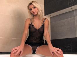 Delicious Sabrina gives a great dildo show