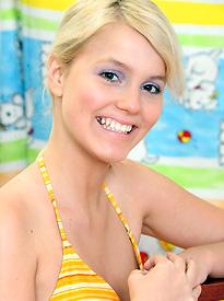 teen model Maaike