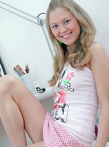 clubseventeen model yasmin