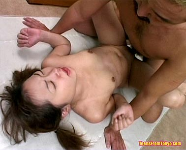 Sex with young Japanese girl