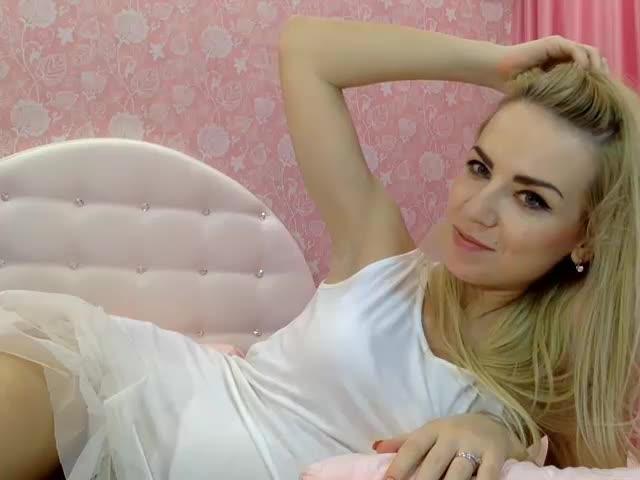 teen cam girl Barbie
